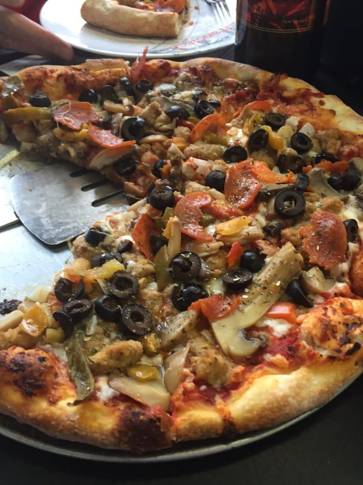 Hello Pizza: 1071 Country Club Rd, El Paso, TX