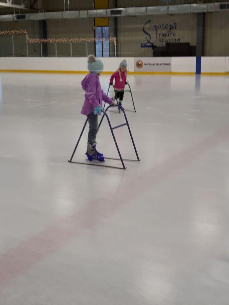 Bode Ice Arena: 2500 Southwest Pkwy, Saint Joseph, MO