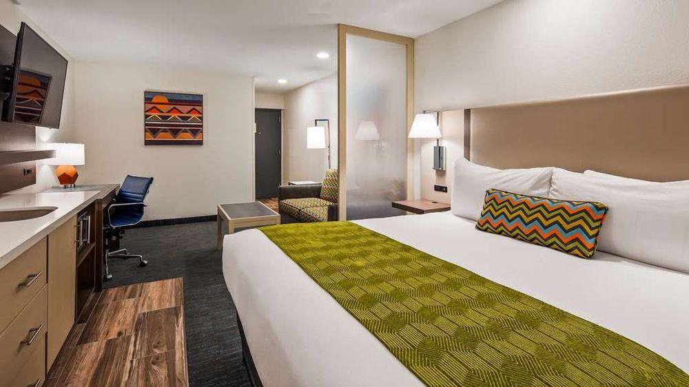 Best Western Plus Yuma Foothills Inn & Suites: 10731 E South Frontage Rd, Yuma, AZ