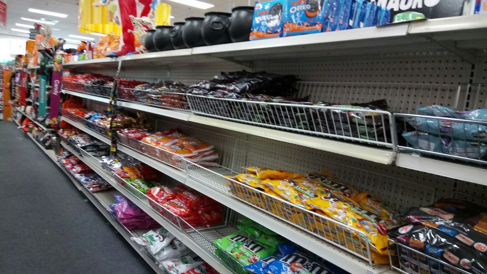 no price tags in the whole candy aisle  so frustrating
