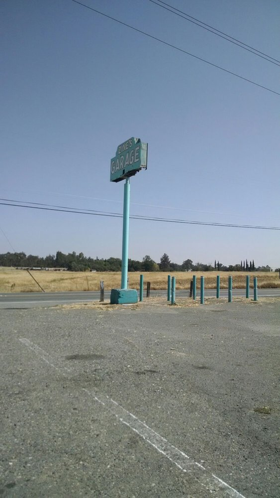 Zines Garage: 220 Elverta Rd, Elverta, CA