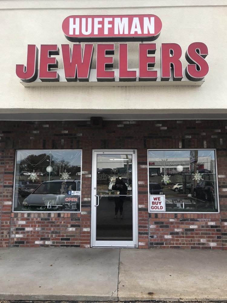 Huffman Jewelers: 14740 Manchester Rd, Ballwin, MO