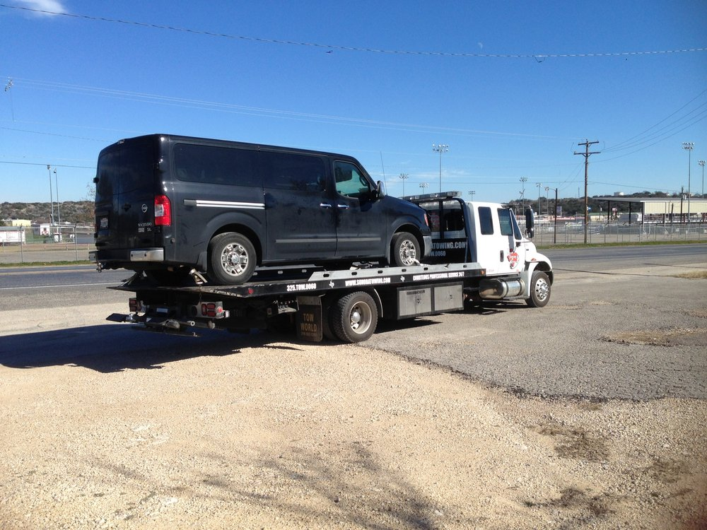 Sonora Towing and Recovery: 1505 N Crockett Ave, Sonora, TX