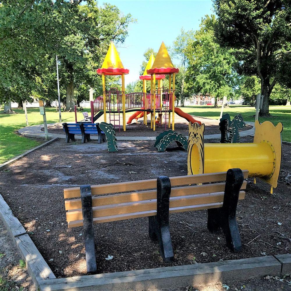 Sullivan City Park: 625 S Main St, Sullivan, IN