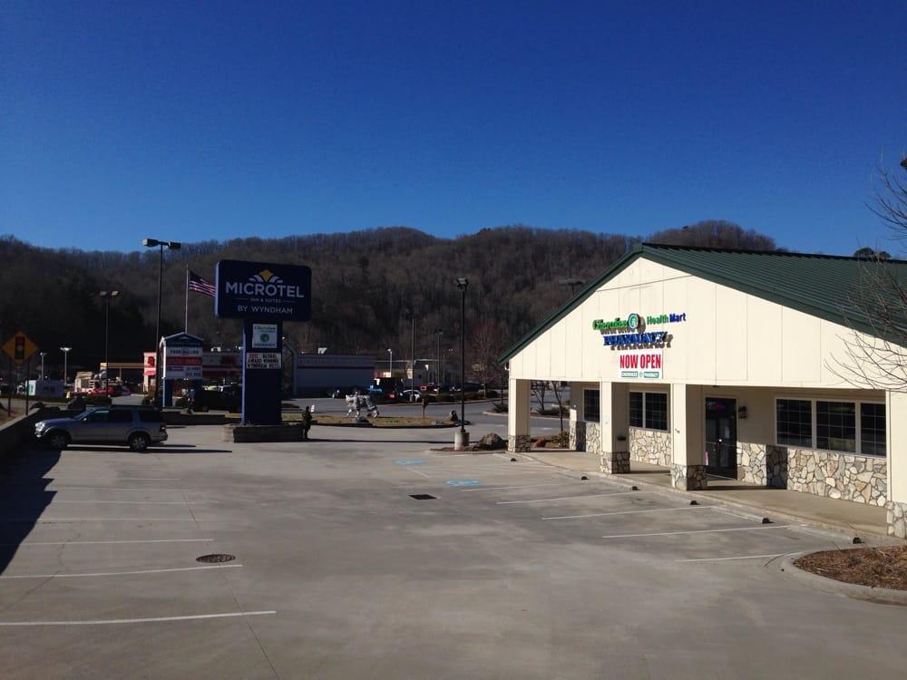 Cherokee  Pharmacy: 664 Cherokee Crossing, Whittier, NC