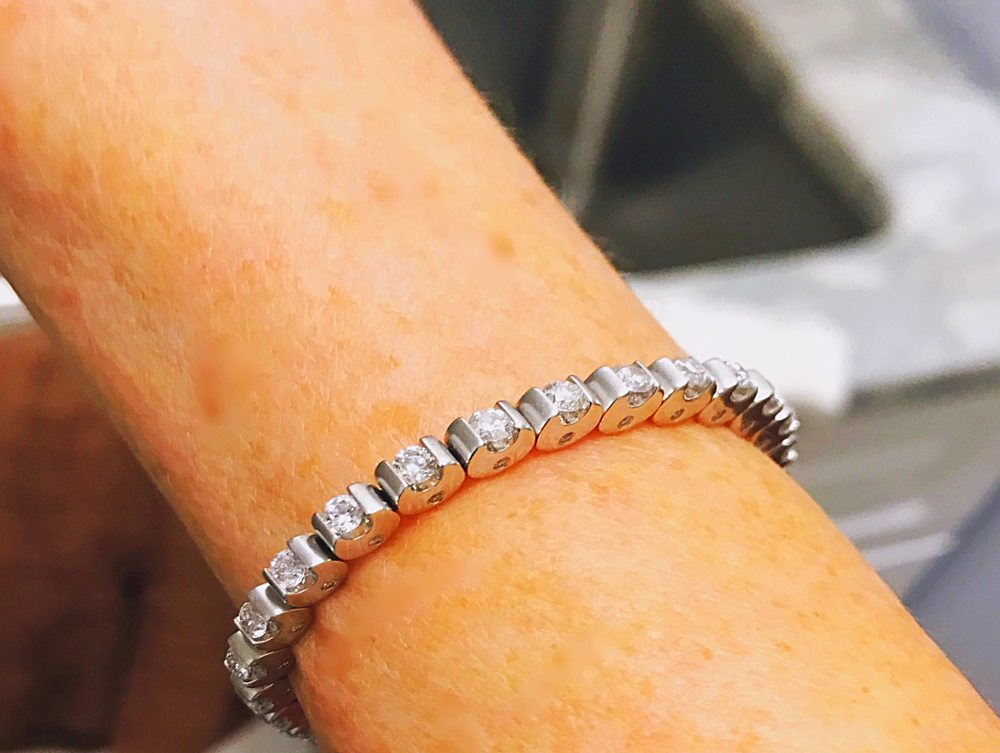 Vicki Lyn Michael's Jewelers