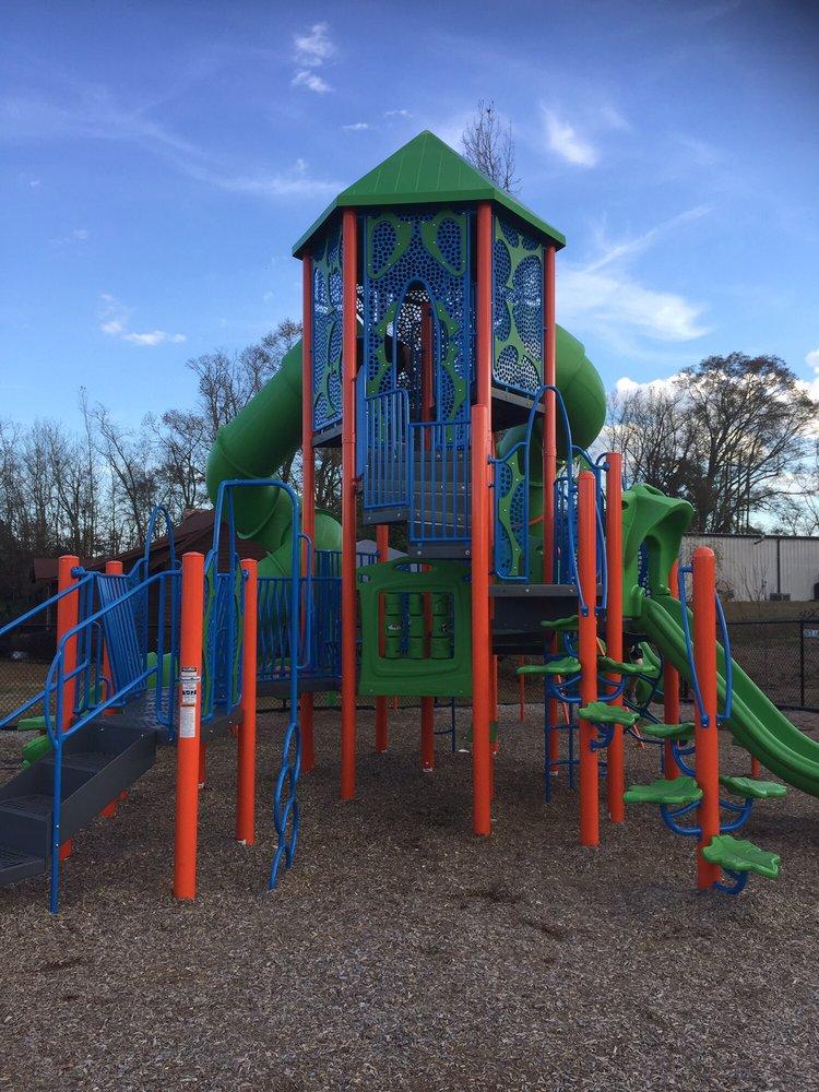 Percy's Park: Lake Shore Blvd, Florala, AL