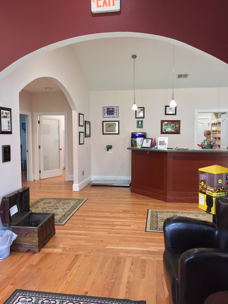 Family Veterinary Clinic: 1413 Defense Hwy, Gambrills, MD