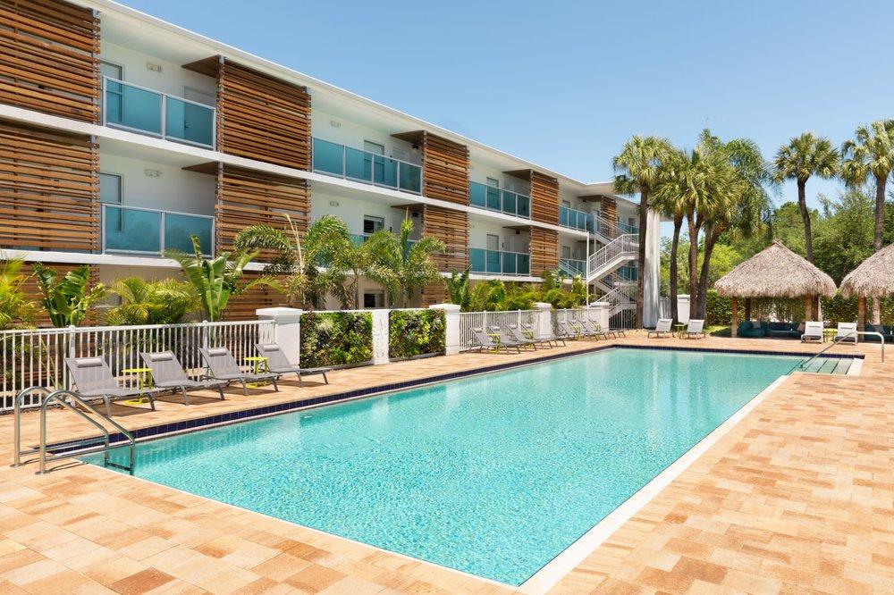 Hotel Alba: 5303 W Kennedy Blvd, Tampa, FL
