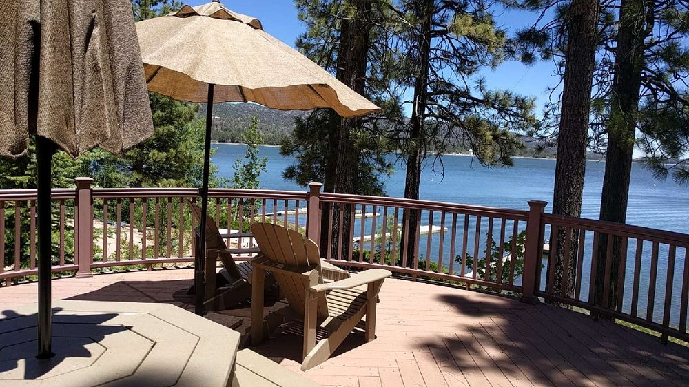 Big Bear Lakefront Cabins & Best Mountain Vacation Rentals: 41011 Big Bear Blvd, Big Bear Lake, CA