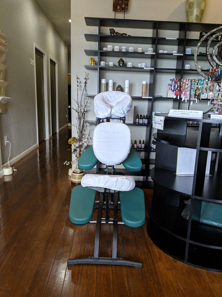 Maui Massage & Wellness: 3636 Lower Honoapiilani Rd, Lahaina, HI