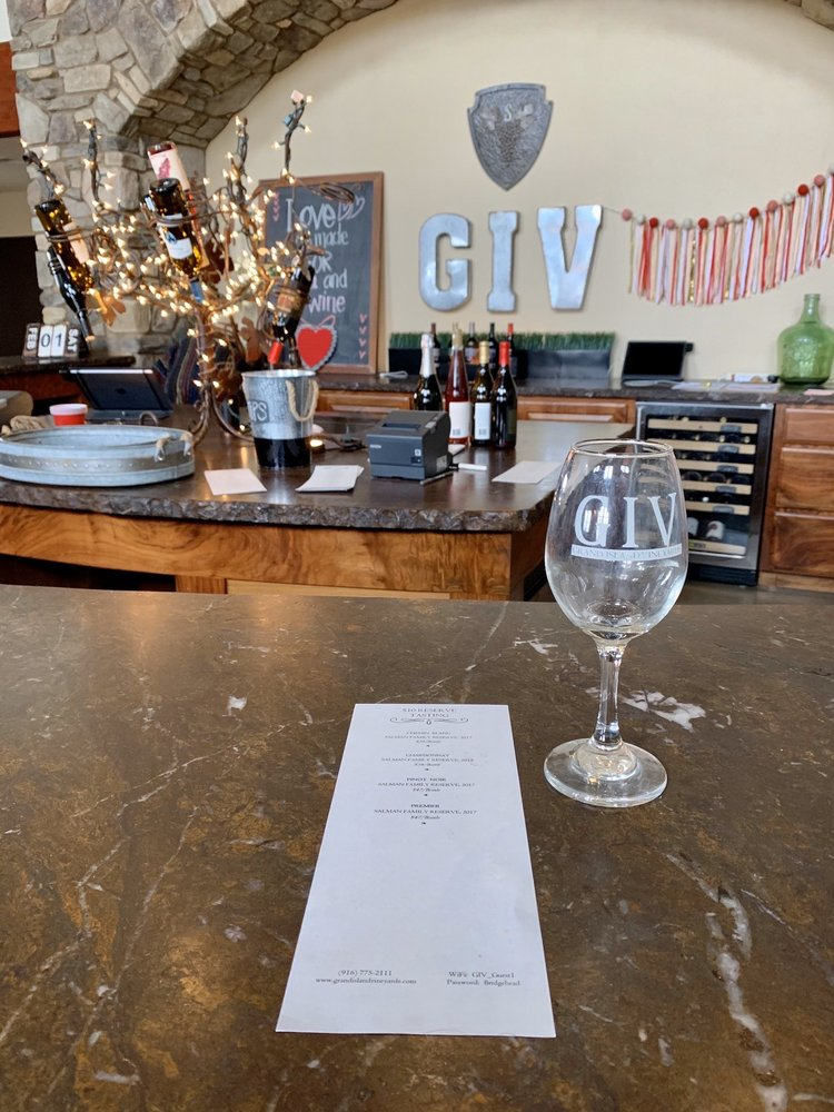 Grand Island Vineyards: 12484 Hwy 160, Courtland, CA
