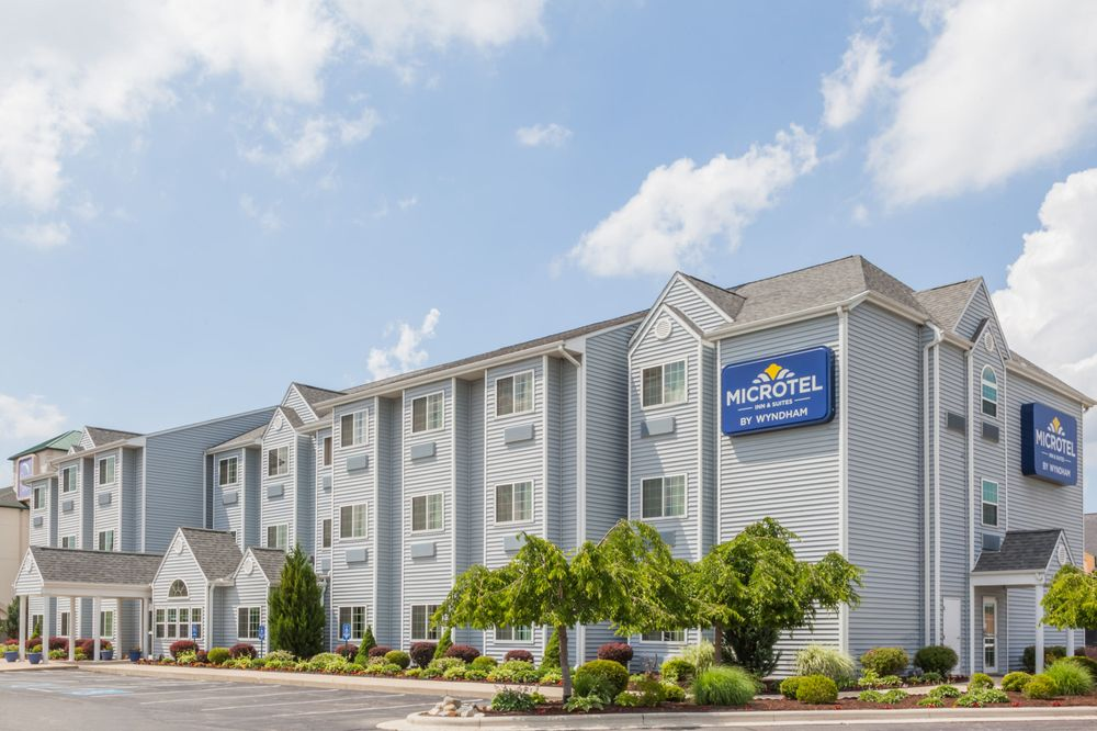 Microtel Inn & Suites by Wyndham Elkhart: 3301 Plaza Ct, Elkhart, IN