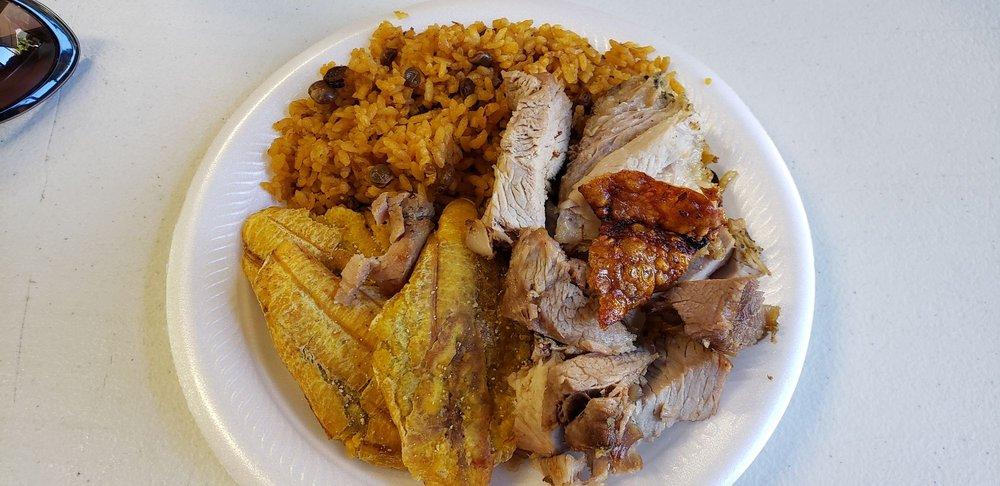 Dela's BBQ: Carretera 10, Arecibo, PR