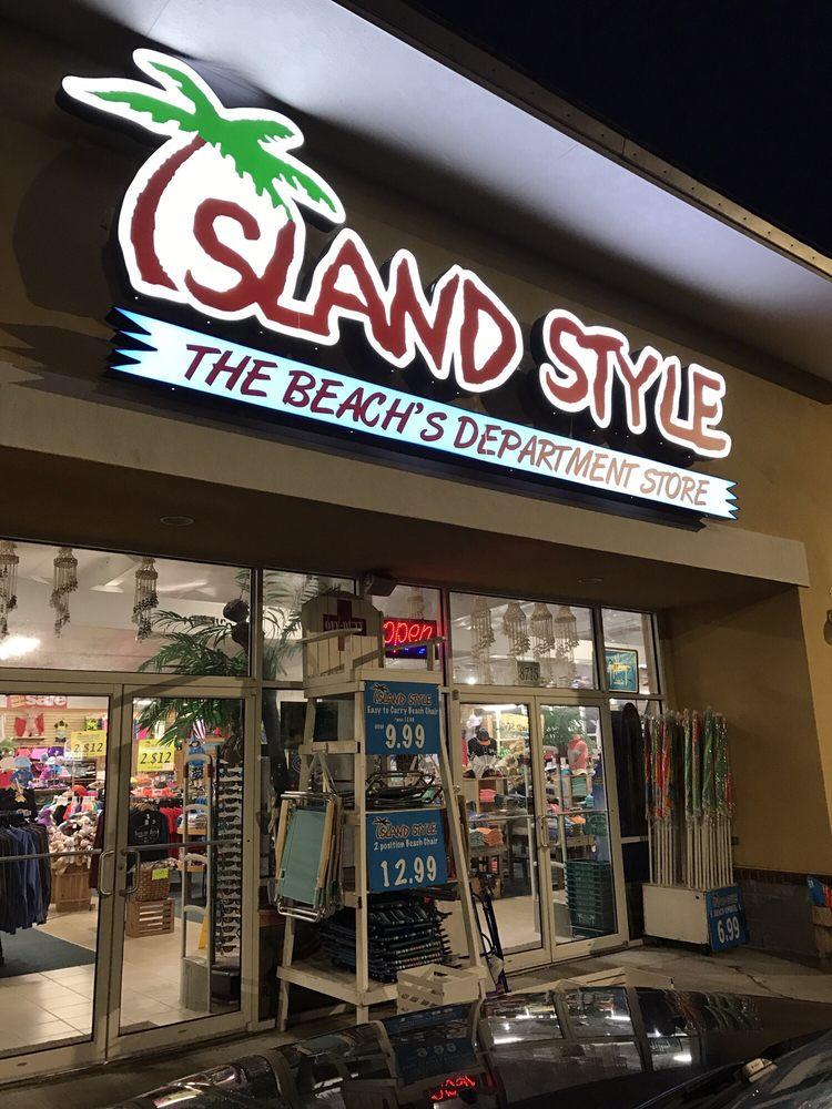 Island Style: 8715 Ortega Park Dr, Navarre, FL