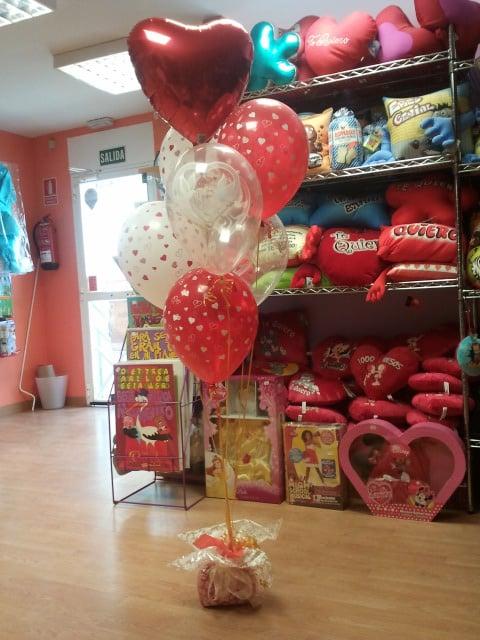 Presentaci n con globos de helio para regalo de enamorados for Busco trabajo en aranjuez