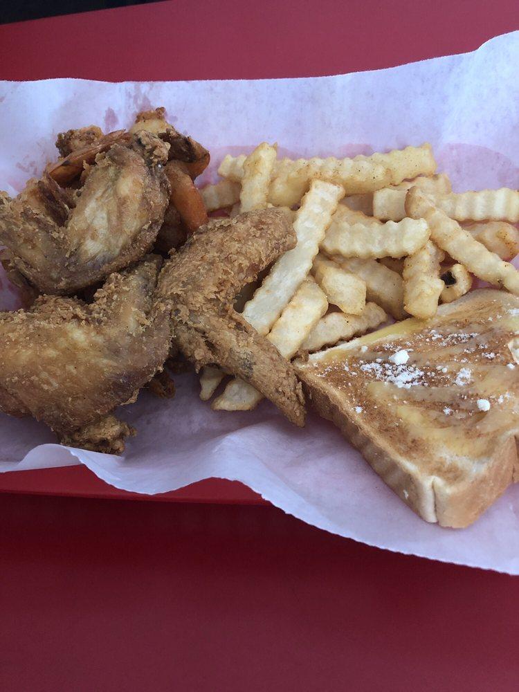 Voo Swar Restaurant & Lounge: 51 Robert St, Atlantic Beach, FL