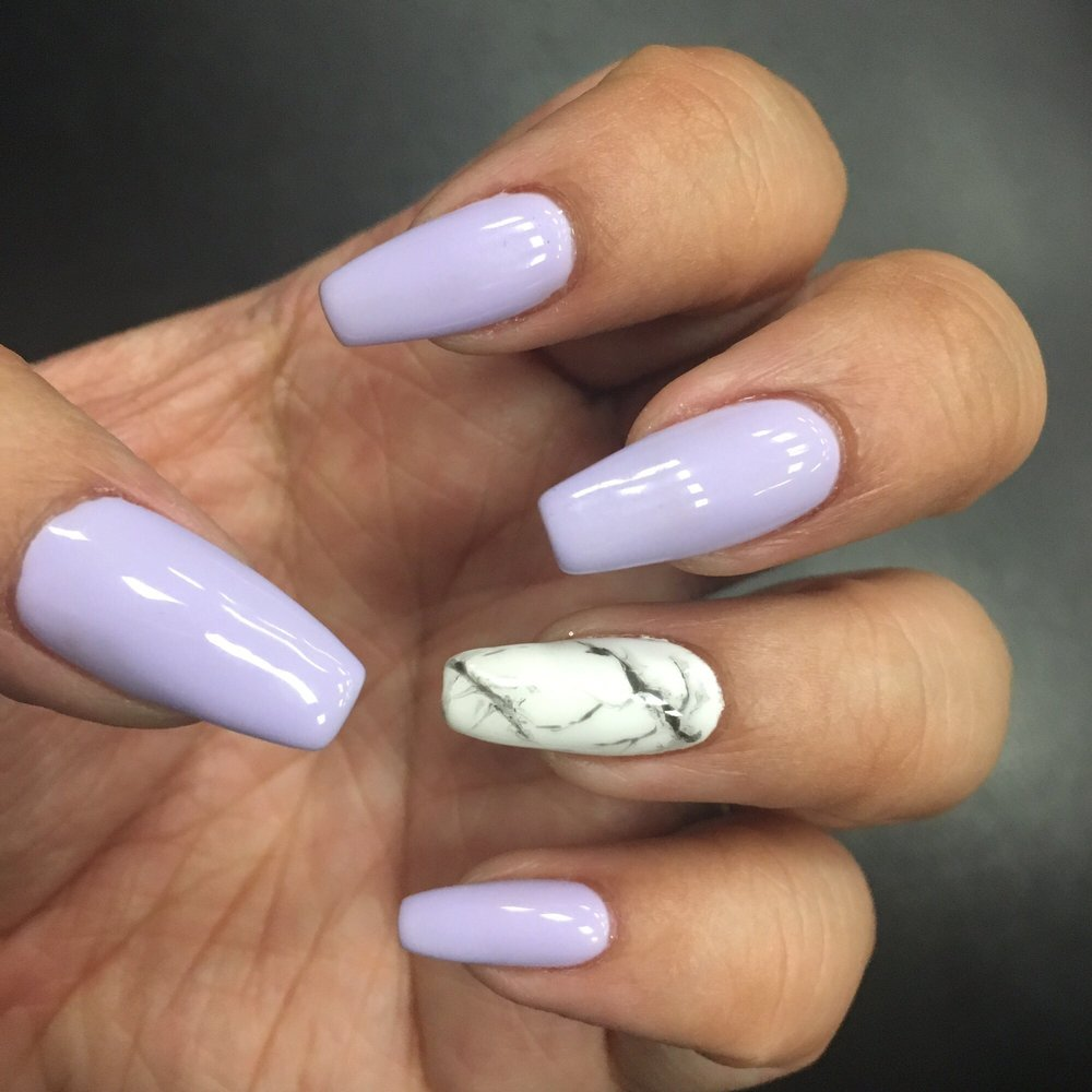 This is the best I\'ve ever gotten! Lavender with marble on the ring ...