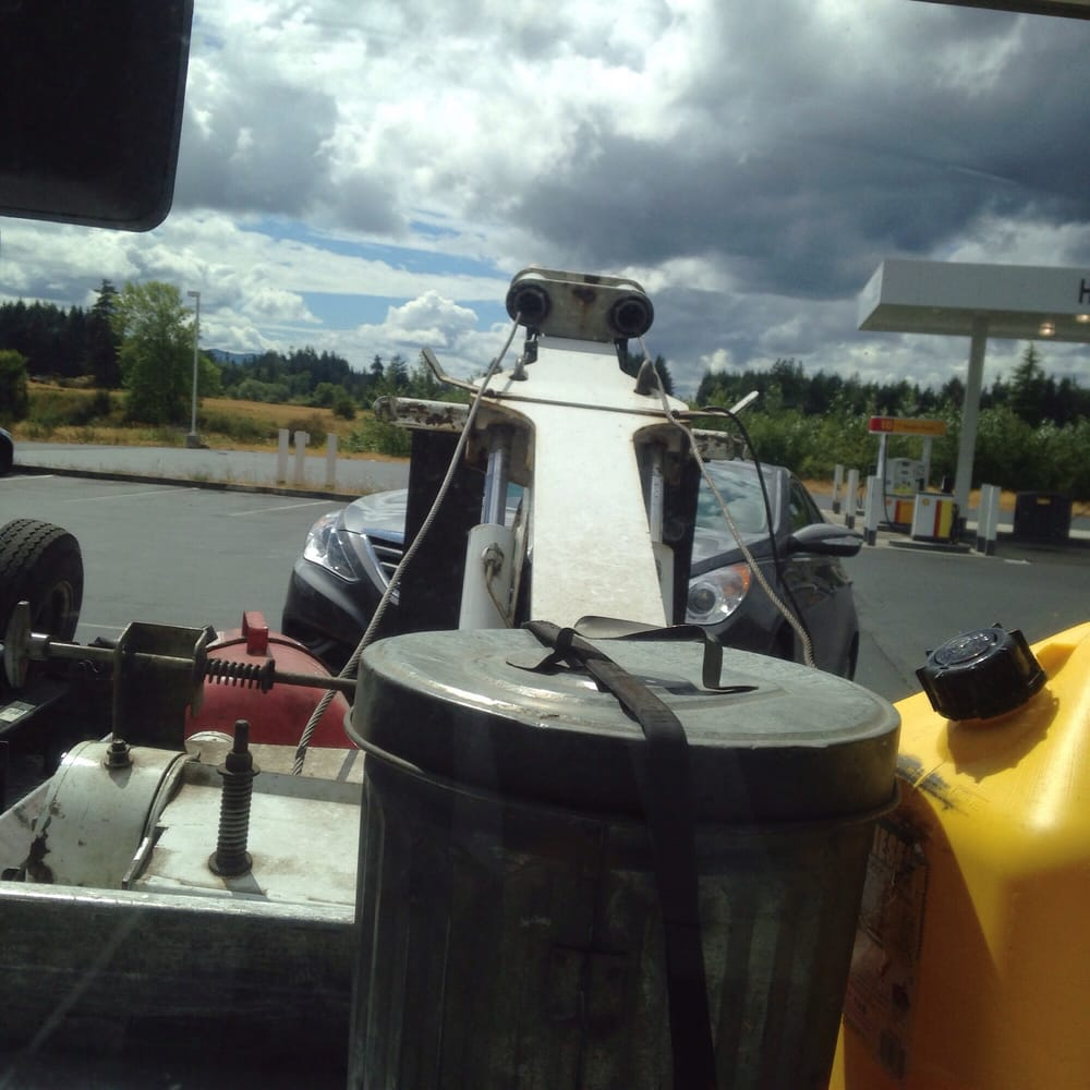 Grant's Towing and Automotive: 915 Koontz Rd, Napavine, WA