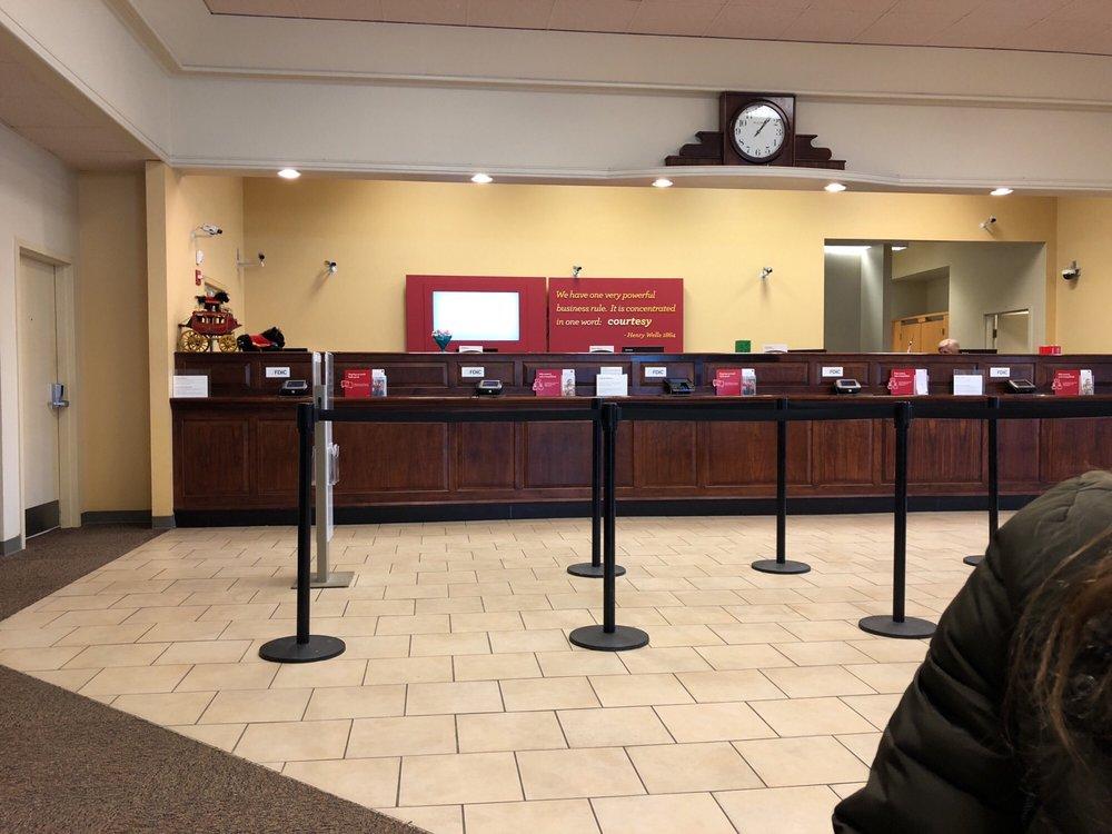 Wells Fargo Bank: 1099 Elden St, Herndon, VA