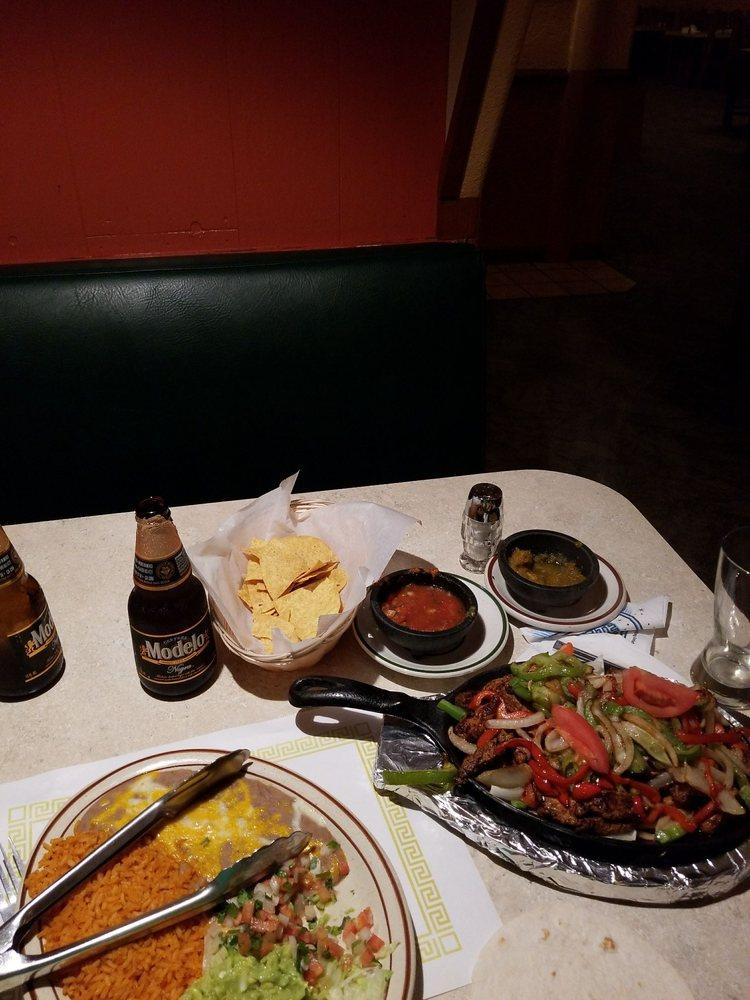 Carlos Restaurante: 101 Thompson Ave, Winston, OR