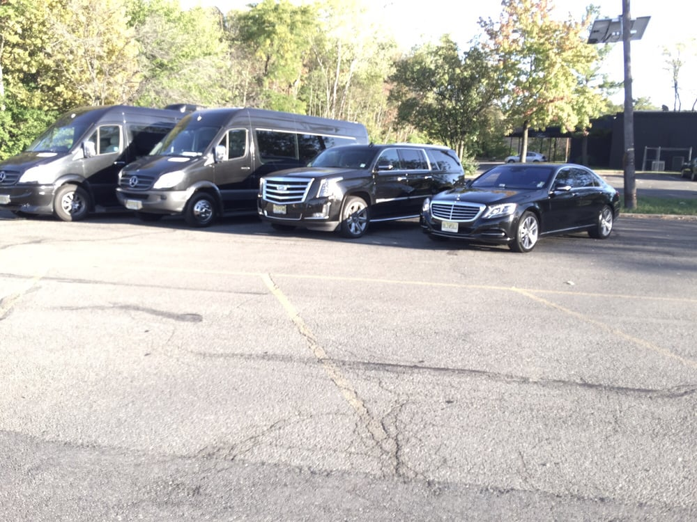 NJ Car and Limo: 2417 Hammett Ave, Fort Lee, NJ