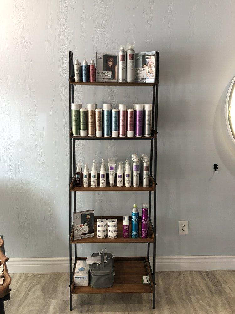 A&C LaCoiffure Salon: 1056 Pennsylvania Ave, Tyrone, PA