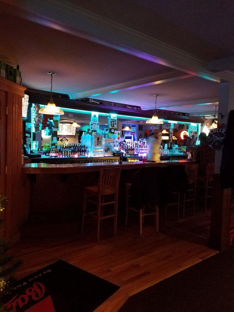 Donovan's: 712 Main St, Bennington, VT