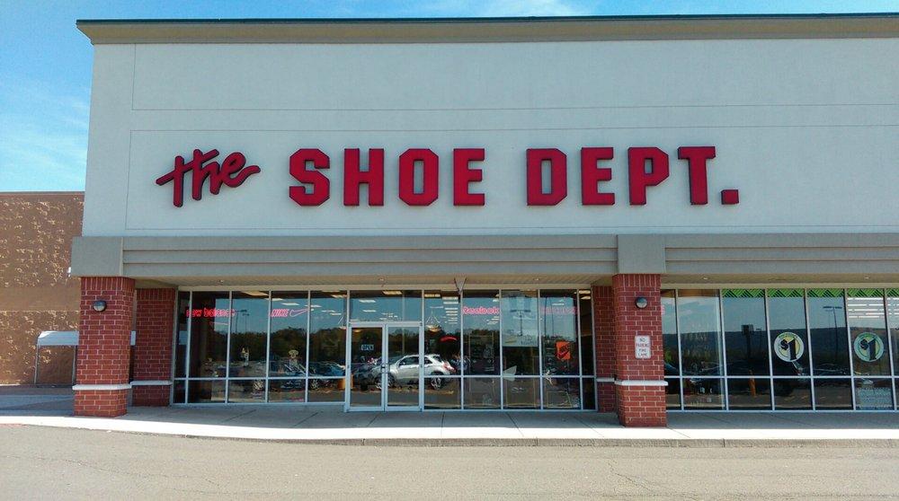 Shoe Dept: 45 Plaza Dr, Tamaqua, PA