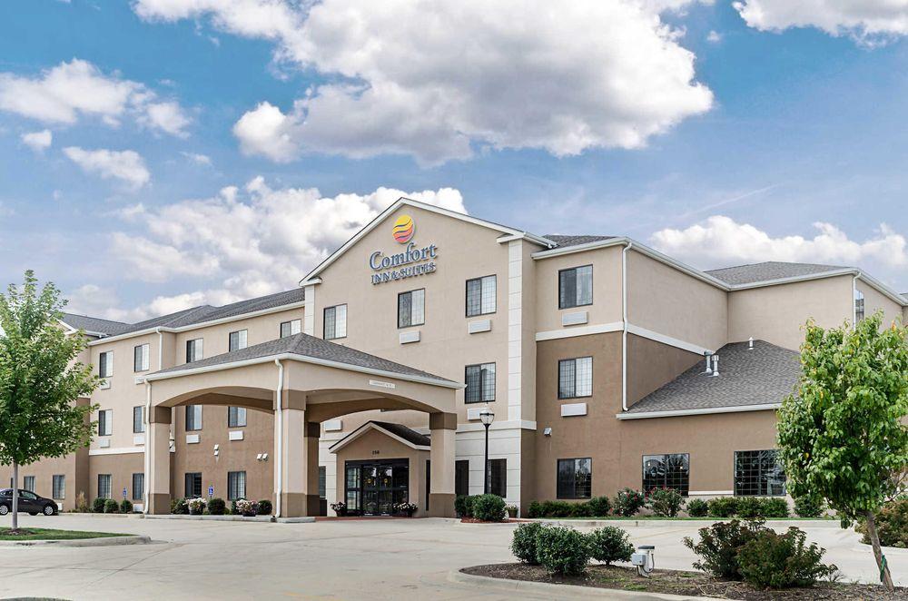 Comfort Inn & Suites Lawrence - University Area: 151 McDonald Drive, Lawrence, KS