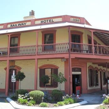 Railway hotel bars 247 st vincent st port adelaide - Accommodation port adelaide south australia ...