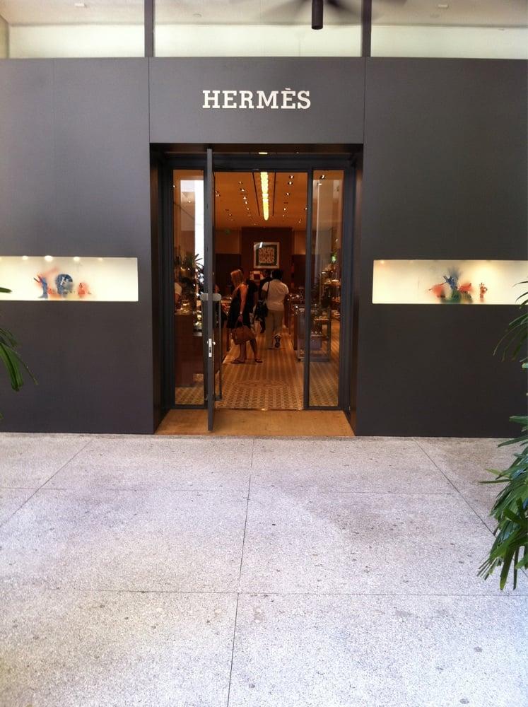 Hermes Of Paris Lukket L Dervarer 9700 Collins Ave