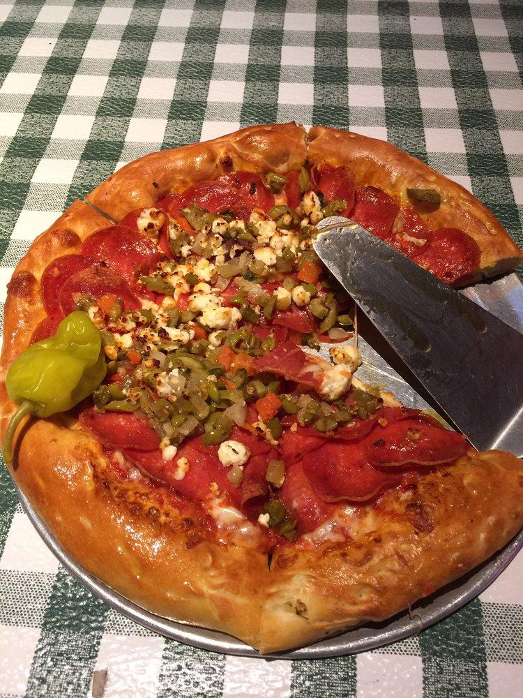 Peppers Pizzeria: 600 W 3rd St, Thibodaux, LA