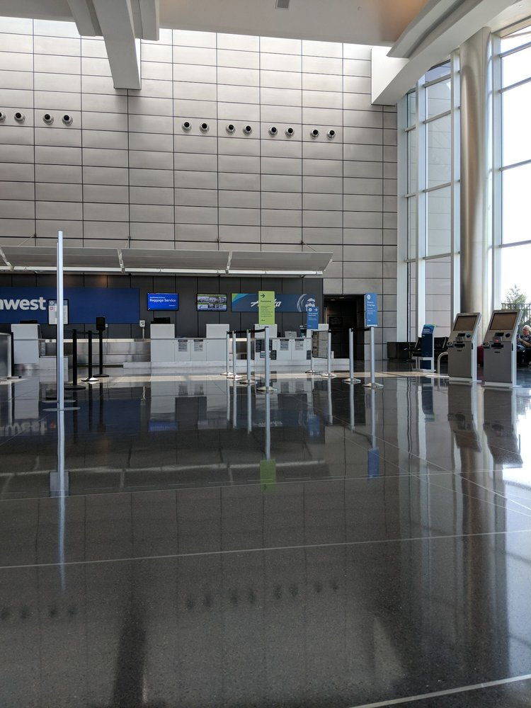 Alaska Airlines: 2277 Eisenhower Airport Pkwy, Wichita, KS