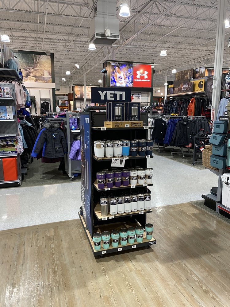 DICK'S Sporting Goods: 8009 Stonewall Shops Sq, Gainesville, VA