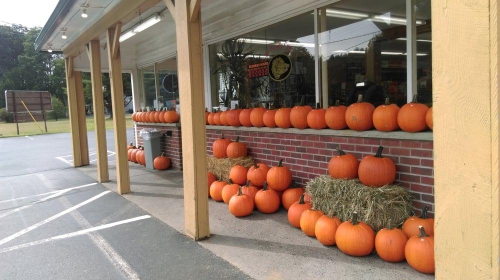 Delucia's Deli and Grocery: 2858 US Rte 9, Malta Ridge, NY