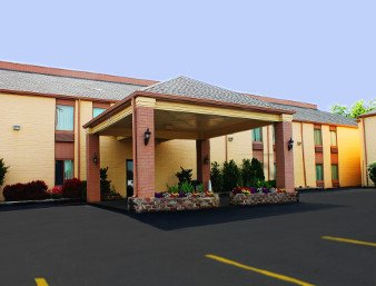 Days Inn & Suites by Wyndham Bloomington/Normal IL: 505 Brock Drive, Bloomington, IL
