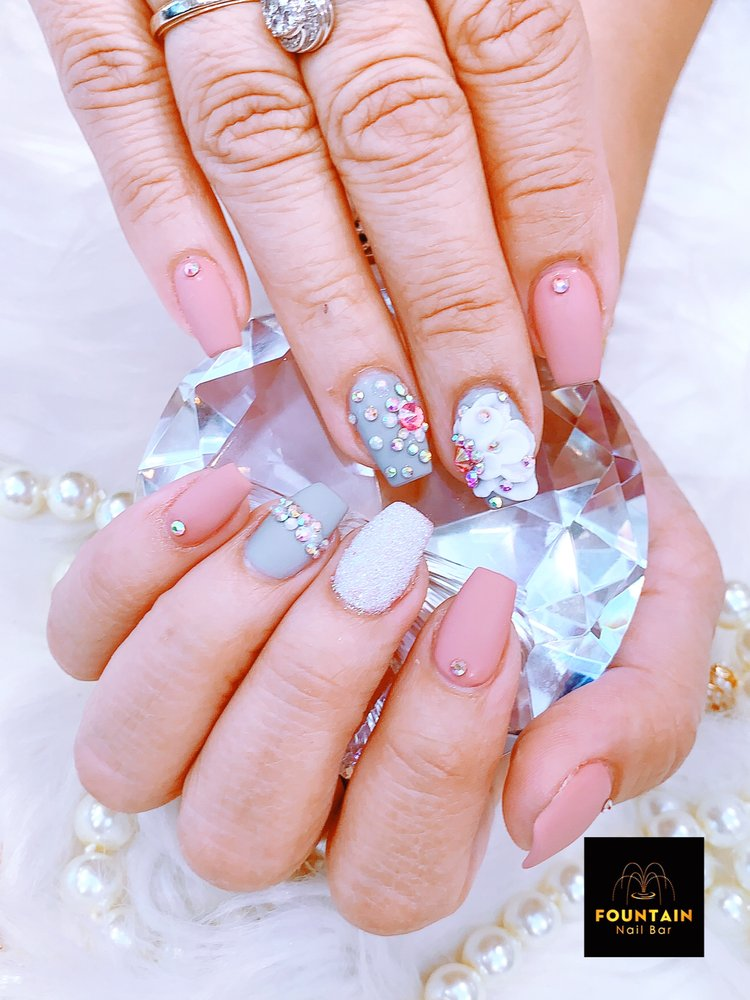 Fountain Nail Bar: 8889 Gateway Blvd W, El Paso, TX
