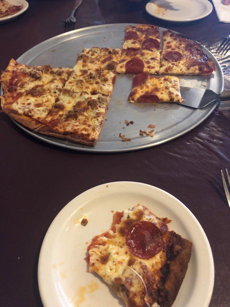 Rozario's Pizza, Pasta, & Pub: 42 N 1st St, Black River Falls, WI