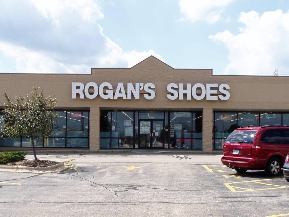 Rogan's Shoes: 1035 N Mutual Way, Appleton, WI