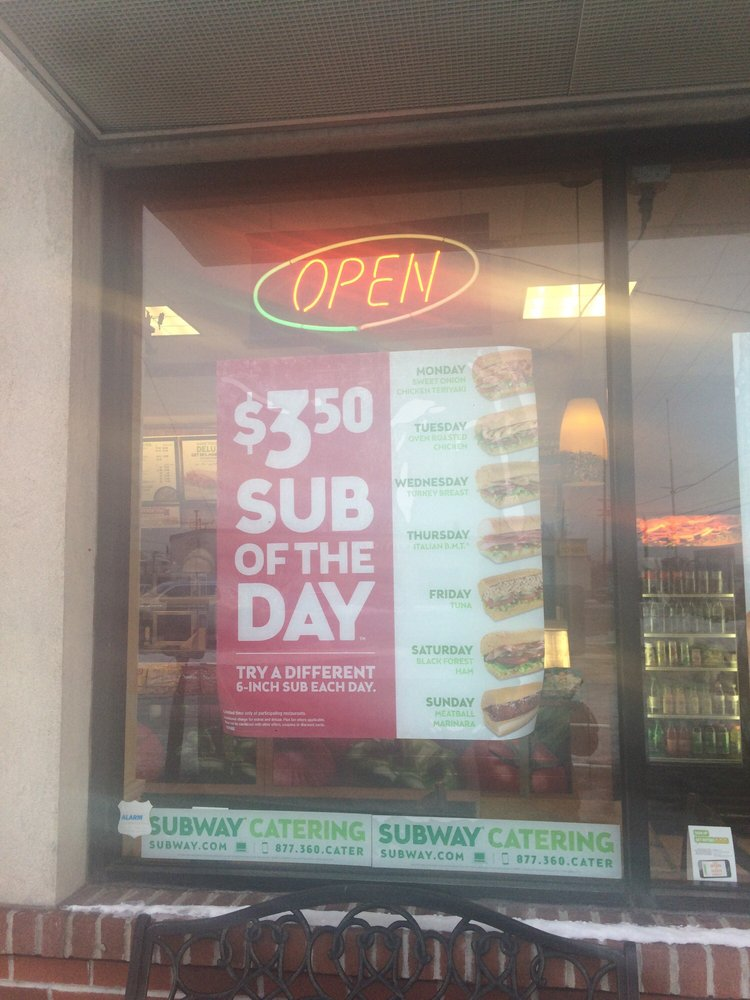 Subway: 495 Commack Rd, Deer Park, NY