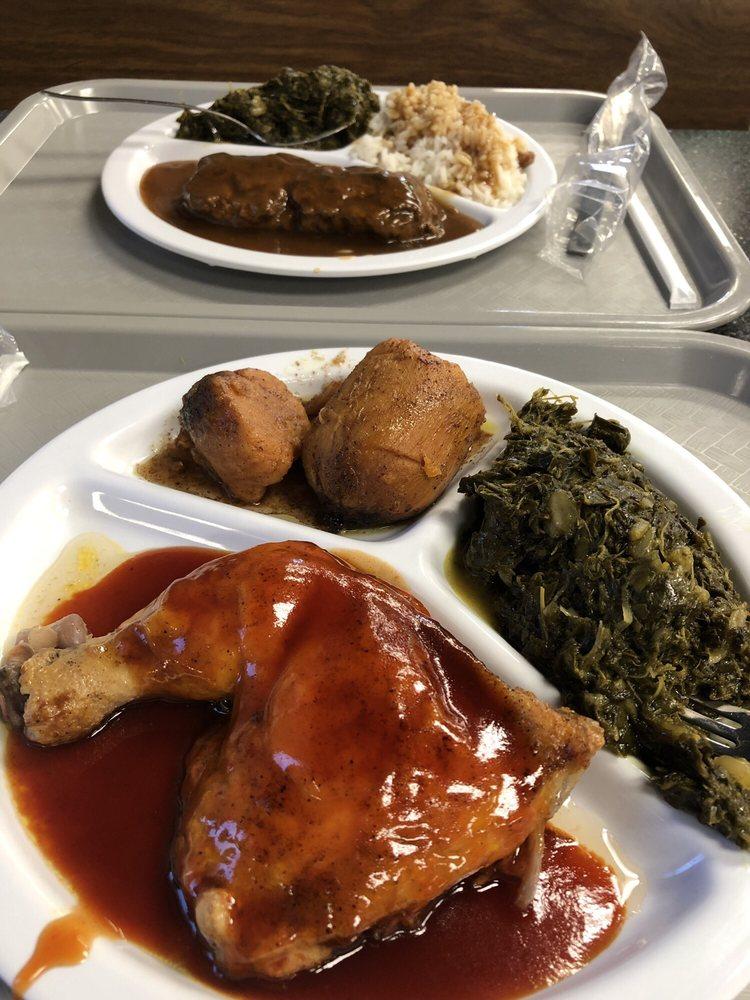 Smith's Cafe: 2424 US Highway 258 N, Kinston, NC