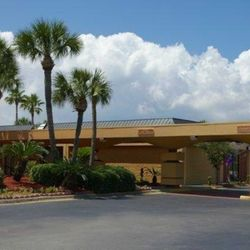 Photo Of Quality Inn Suites Gulf Breeze Fl United States