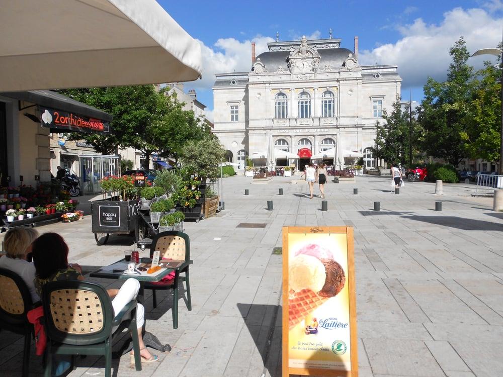 Grand Cafe Du Theatre Lons Le Saunier