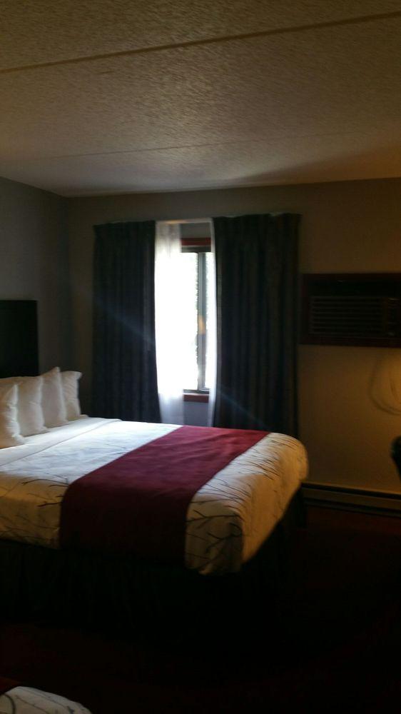 Blackstone Lodge & Suites: 395 Glendale Dr, Lead, SD