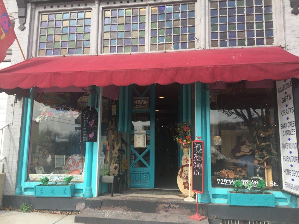 Linda Rose's Rambling Rose: 302 8th St, Huntingdon, PA