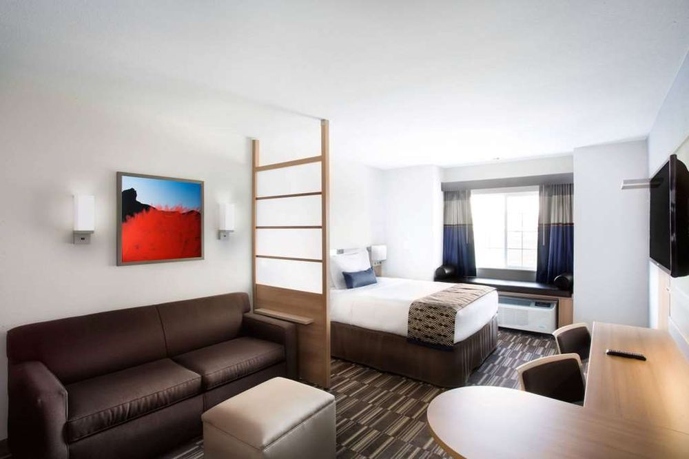 Microtel Inn & Suites by Wyndham Naples Vernal: 1041 S 1500 E, Naples, UT