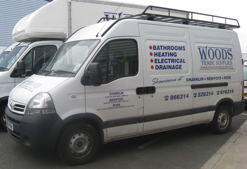 Woods trade supplies kitchen bath 24 wilton park for Woods bathrooms isle of wight