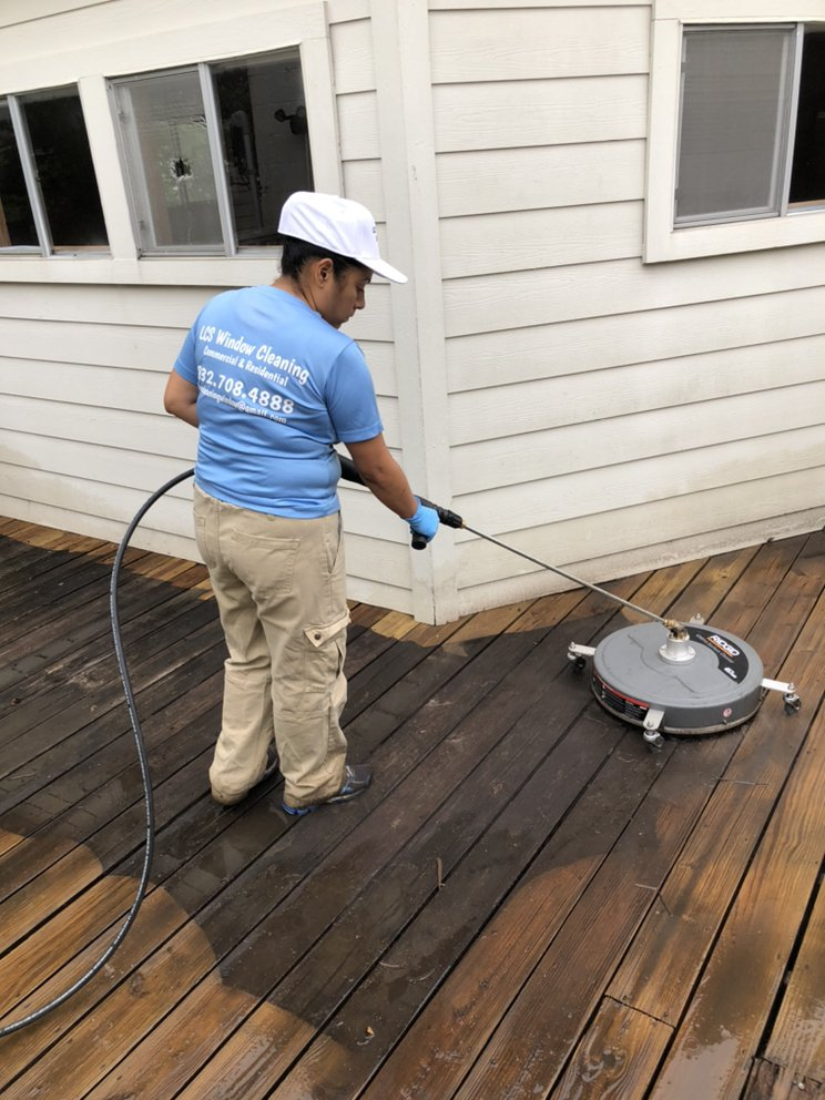 LCS Window Cleaning: Houston, TX