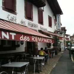 H tel restaurant des remparts hotels 16 place floquet - Hotel des pyrenees st jean pied de port ...